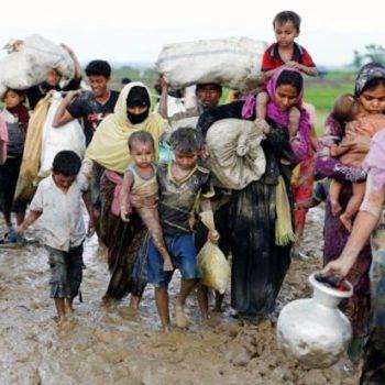 abaikan-perintah-polisi-izinkan-pengungsi-rohingya-masuk-bangladesh-ZOz