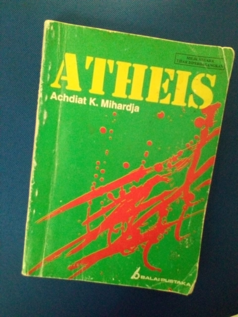 Atheis: Roman Klasik Menyoal Ideologis